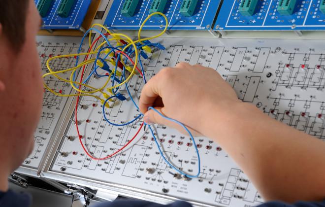 Zweijährige Berufsfachschule - Technik - Elektrotechnik